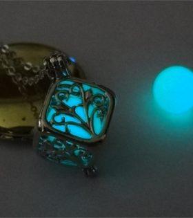naszyjnik-kulka-swiecaca-w-ciemnosci-niebieskie