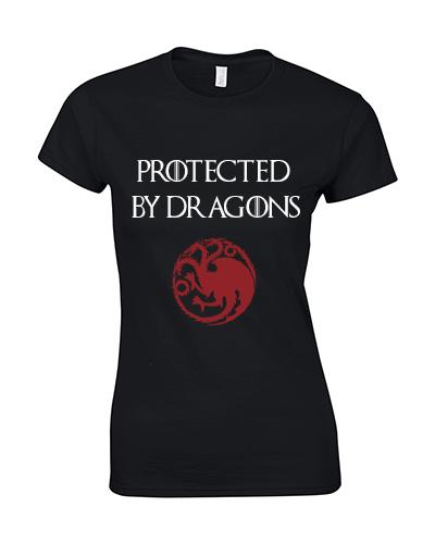 koszulka damska z nadrukiem protected by dragons czarna